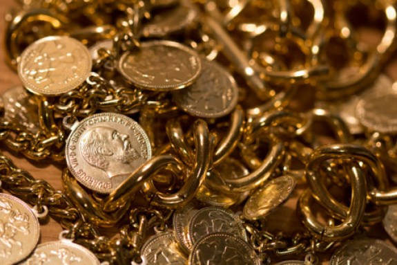 metal-detecting-detector-treasure-gold-9