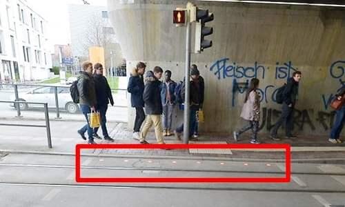 ドイツの一風変わった歩きスマホ防止策