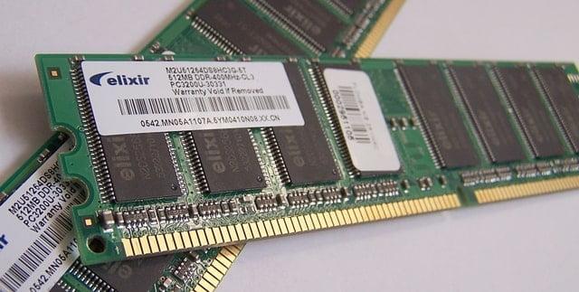 RAMはスピードがROMより速い