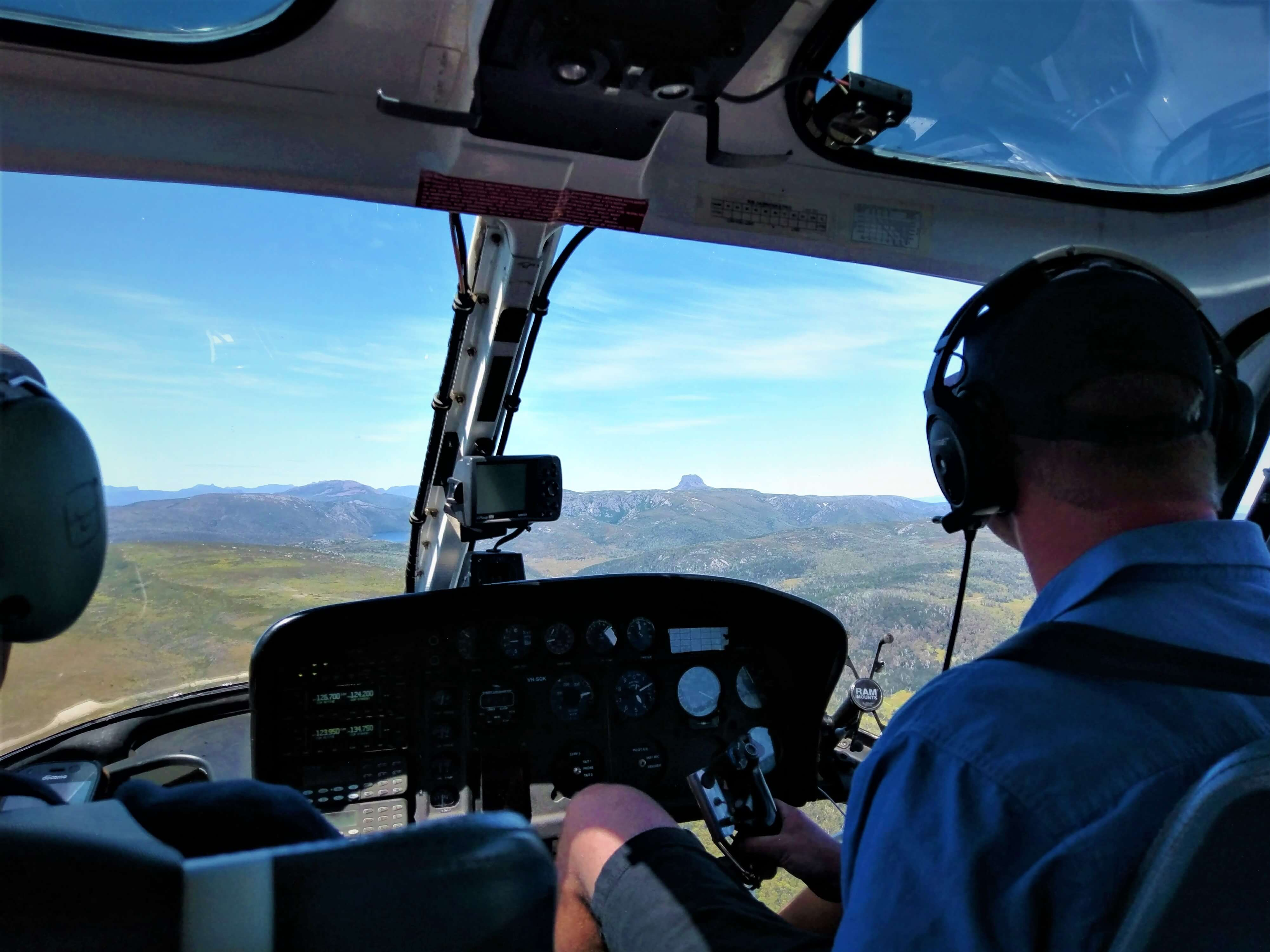 Helicopter Tour in Cradle Mountaina