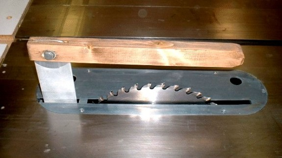 Do It Yourself Table Saw Splitter/guard