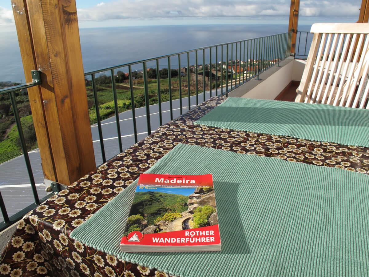Die besten Buchtipps für Madeira: Von Reiseführer bis Krimi.