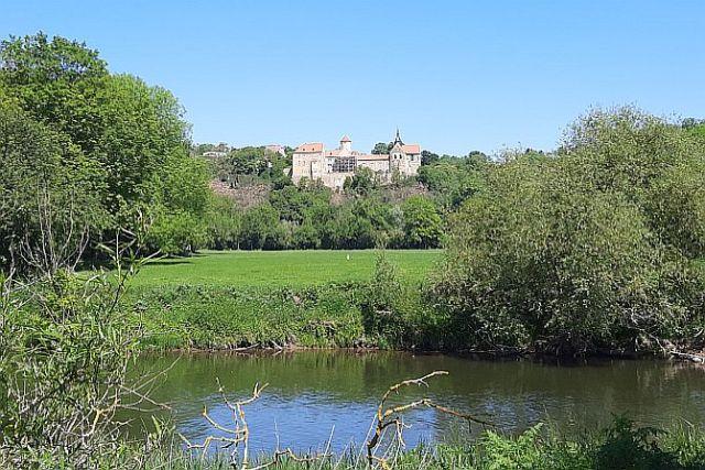 Schloss Gosau am Saaleradweg zwischen Naumburg und Weißenfels