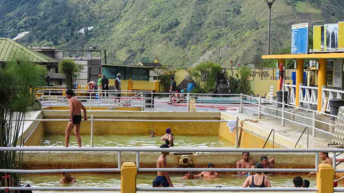 Las Piscinas de la Virgen hot springs, Baños