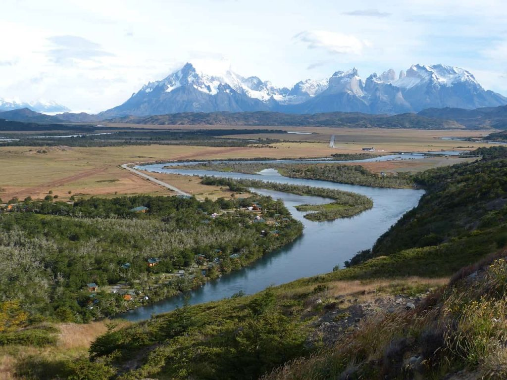 road tripping down the carretera austral in chilean patagonia