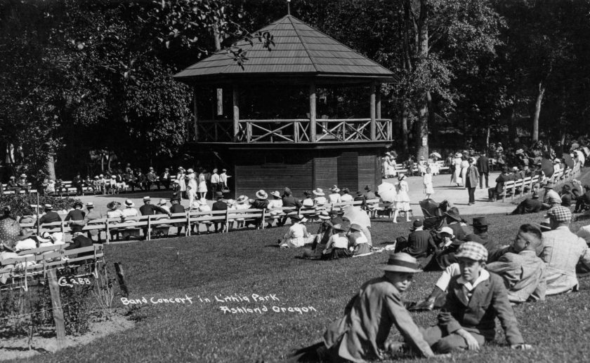 Ashland history, Ashland City Band plays at Lithia Park bandstand, possibly 1916