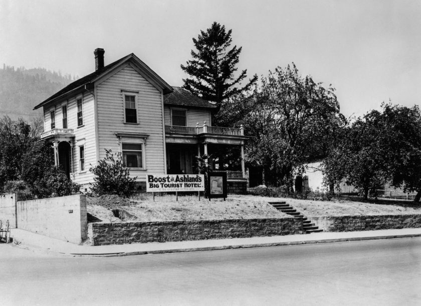 Site of current Ashland Springs Hotel in early 1924
