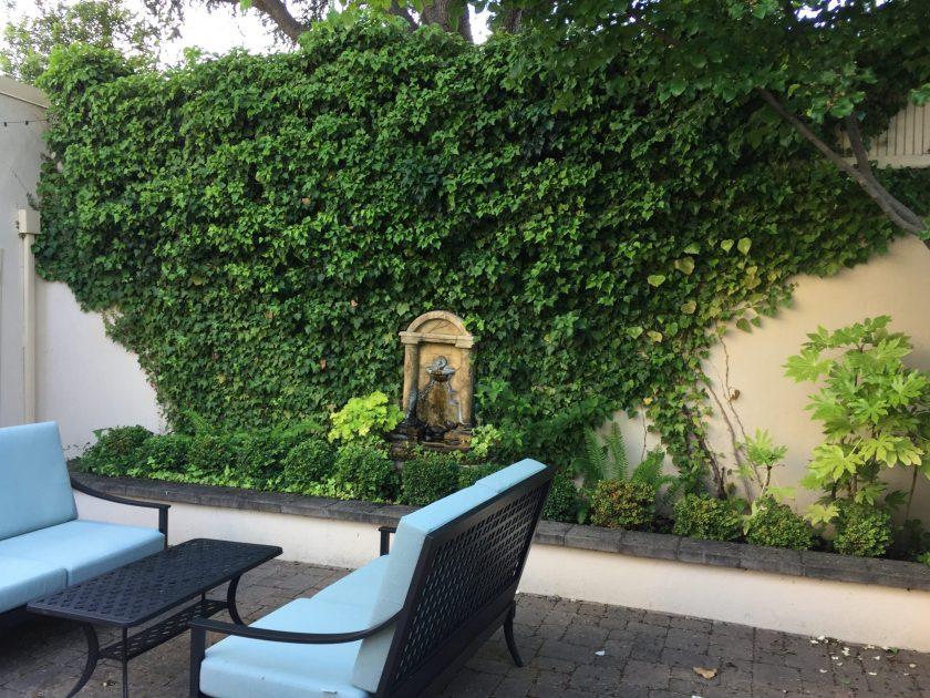 Ashland Springs Hotel patio and garden