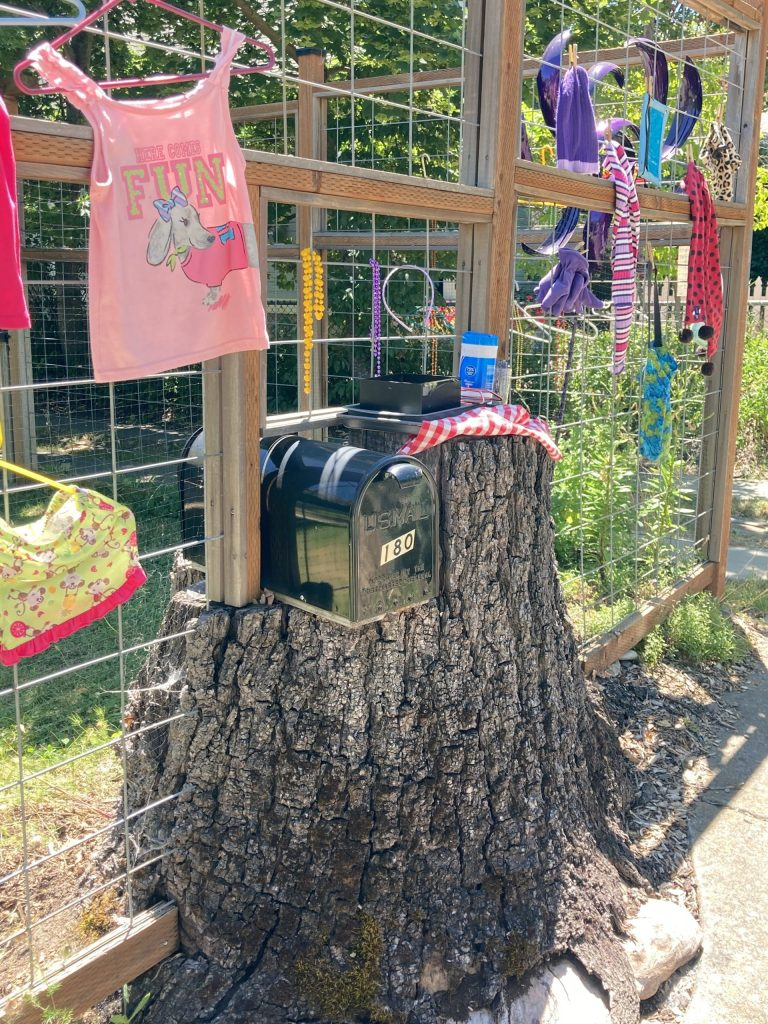 mailbox, Alida Street