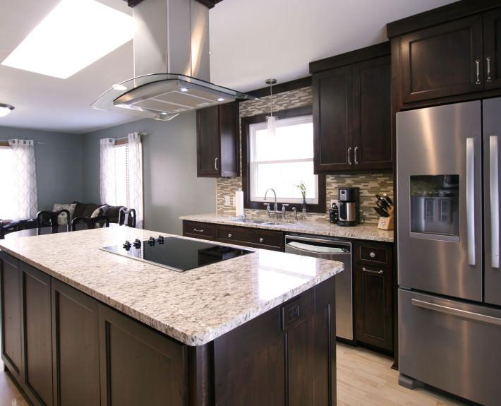 flat surface cooktop,stainless hood,contemporary kitchen,custom cabinets,kitchen island