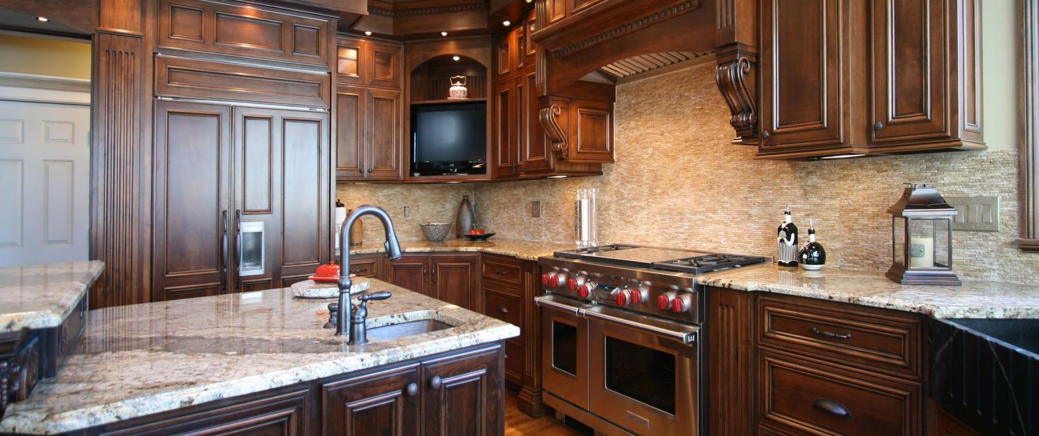 traditional kitchen,Cherry wood, prep sink,gas range oven