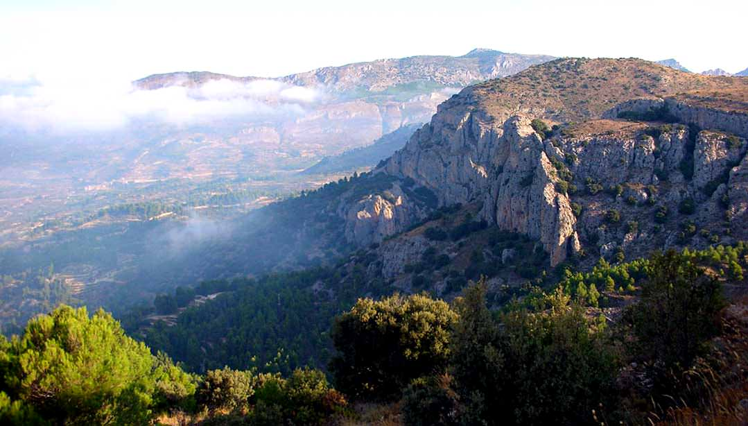 Walking holidays in Spain, the Sierra de Aitana