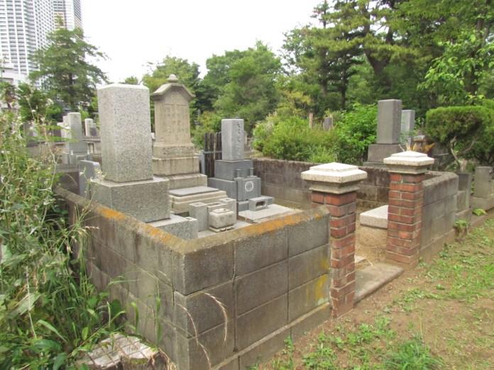 Unique grave with a brick entrance
