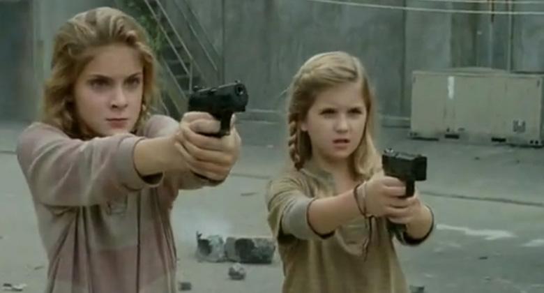 """The Walking Dead 4ª Temporada: O tiro de Lizzie faz parte de uma """"história maior"""" envolvendo Carol"""