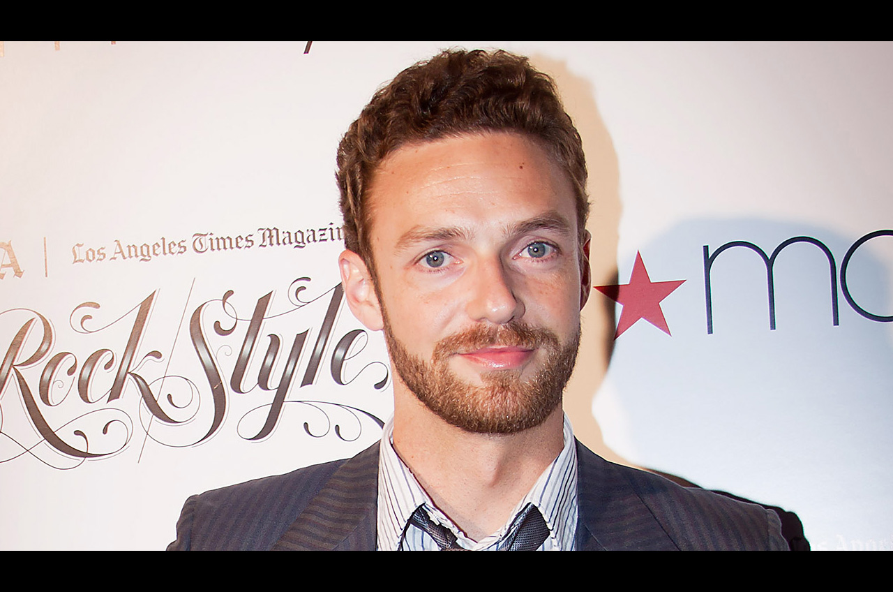 Ross-Marquand-Aaron-The-Walking-Dead