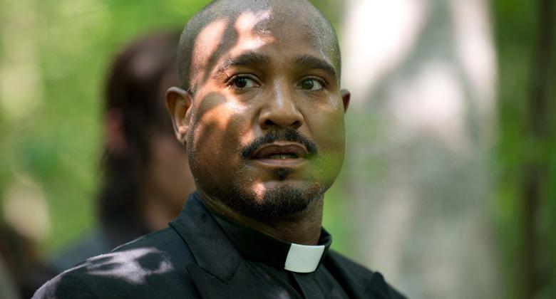 The Walking Dead Enquete: Seria a morte o melhor caminho para o Padre Gabriel na série?