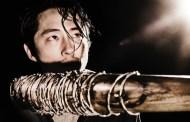 Promovendo a 7ª temporada de The Walking Dead: Entrevista com Steven Yeun