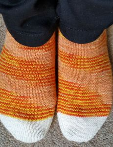 candy_corn_socks3
