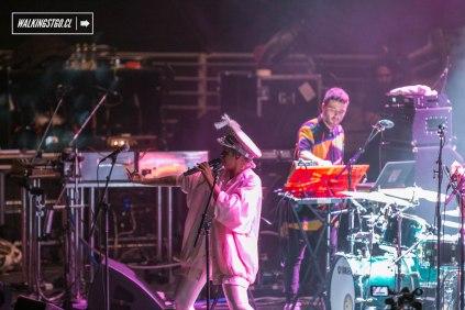 Bomba Estéreo en vivo, lunes 11 de diciembre 2017 en el Movistar Arena de Santiago - WalkiingStgo - 16