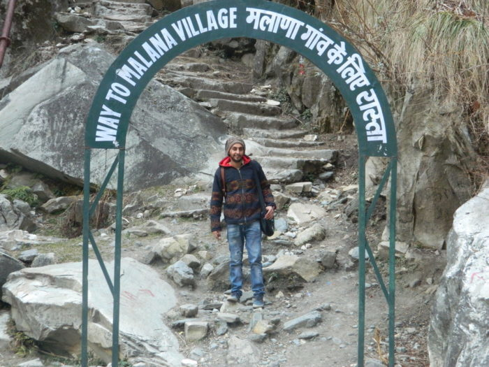 way to malana village