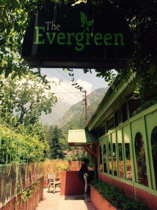 evergree cafe kasol best food