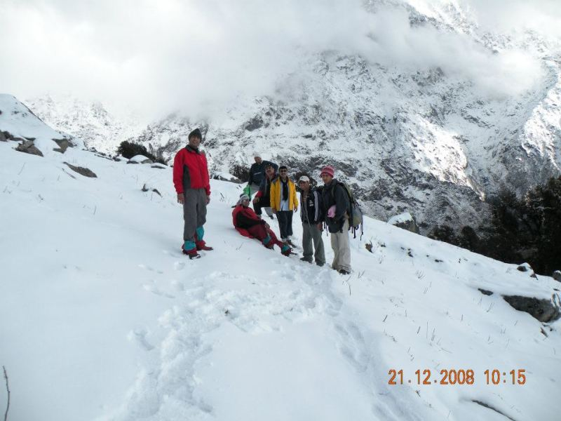 indrahar pass trek in himachal pradesh