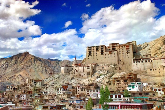 leh palace in the state of jammu and Kashmir