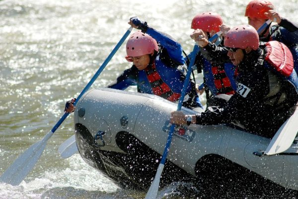 river rafting adventure in himachal pradesh