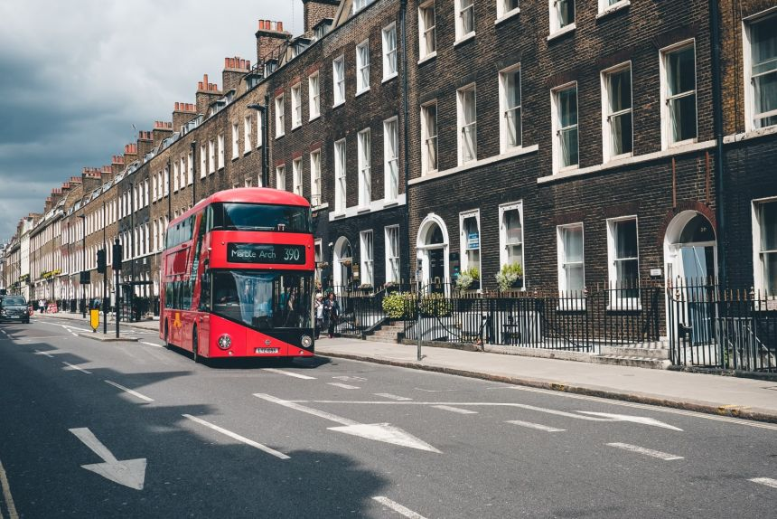 London Brown Brick Red Bus min