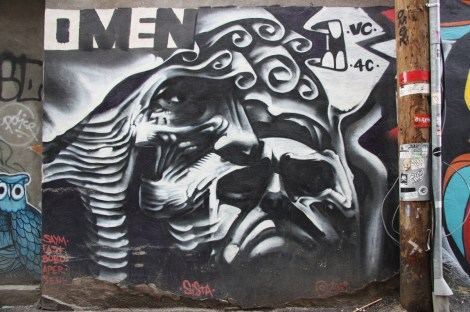 Omen mural in alley between St-Denis and Drolet