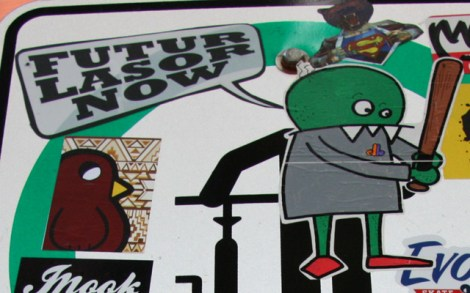 stickers by Futur Lasor Now (speech bubble), Graffiti Knight (top right), Zombi (right) and ROC514 (bird on the left)