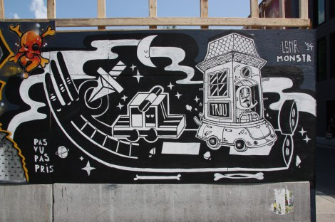 Under Pressure Festival zone 2014 - Le Monstr on boarded wall