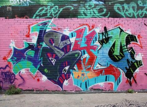 Deko in alley between St-Laurent and Clark