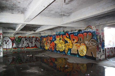 graffiti by House and others at the Omnipac building on the corner of Van Horne and Parc