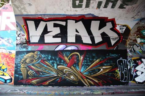Skope (bottom), Veak (top) at the Rouen tunnel legal graffiti wall