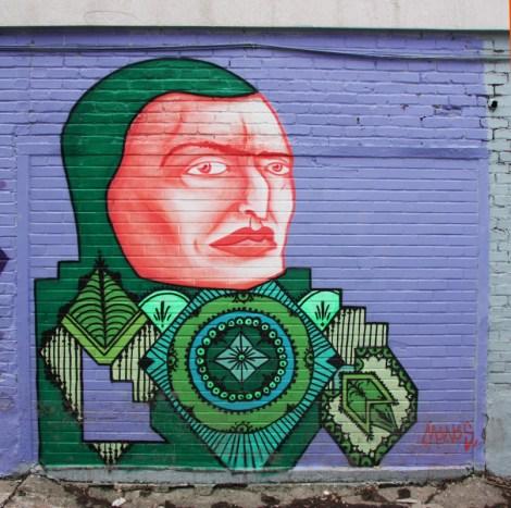 Mono Sourcil in alley behind Masson
