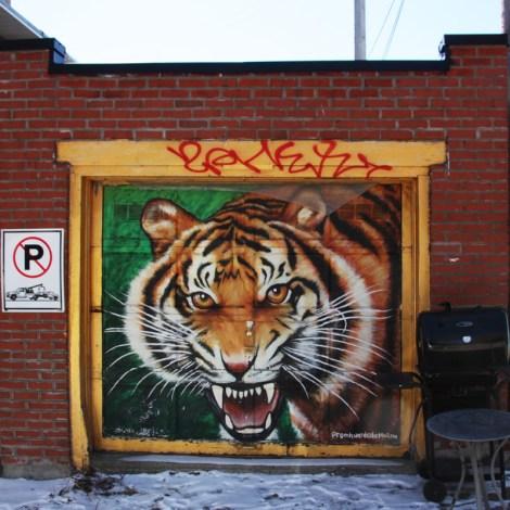 garage door by Promethee Huard in Petite Patrie
