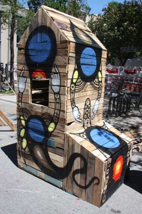 Isaac Holland installation for the 2015 edition of Mural Festival