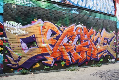 One Tulip and Nems for Orgasthme in alley between St-Laurent and Clark