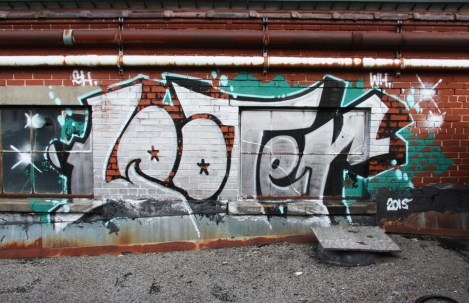 Rooftop piece by Looter at the abandoned Transco