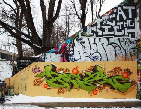Skor (bottom) at the Rouen legal graffiti tunnel