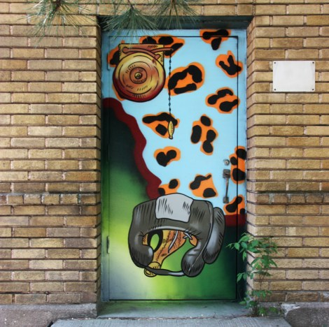door 2/4 of a boxing center in Petite-Patrie, by HRKR