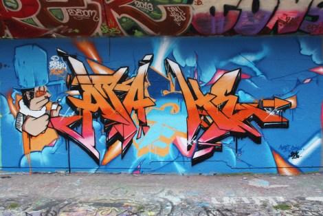 Apashe at the PSC legal graffiti wall