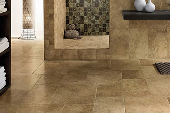 bathroom_travertine_tile_flooring_naples