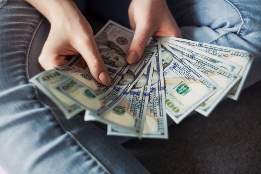 How to deposit a large cash gift