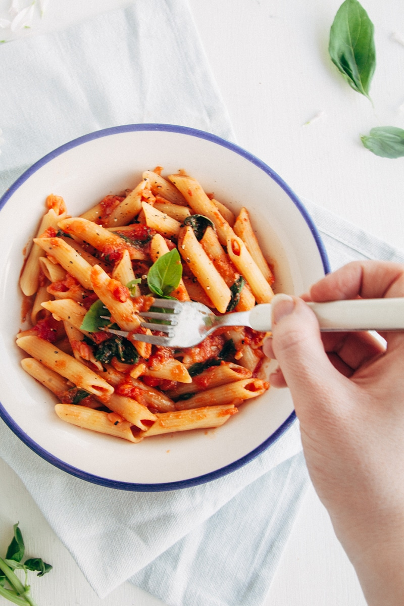 Easy & Delicious Tomato & Basil Penne (Vegan, Low-Fat, Gluten-free Option)
