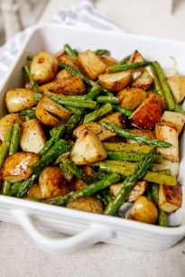 Balsamic-Roasted-New-Potatoes-and-Asparagus-3 Roasted Asparagus with Balsamic New Potatoes asparagus balsamic dinner eat food healthy healthy choice recipe roasted potatoes side dish summer
