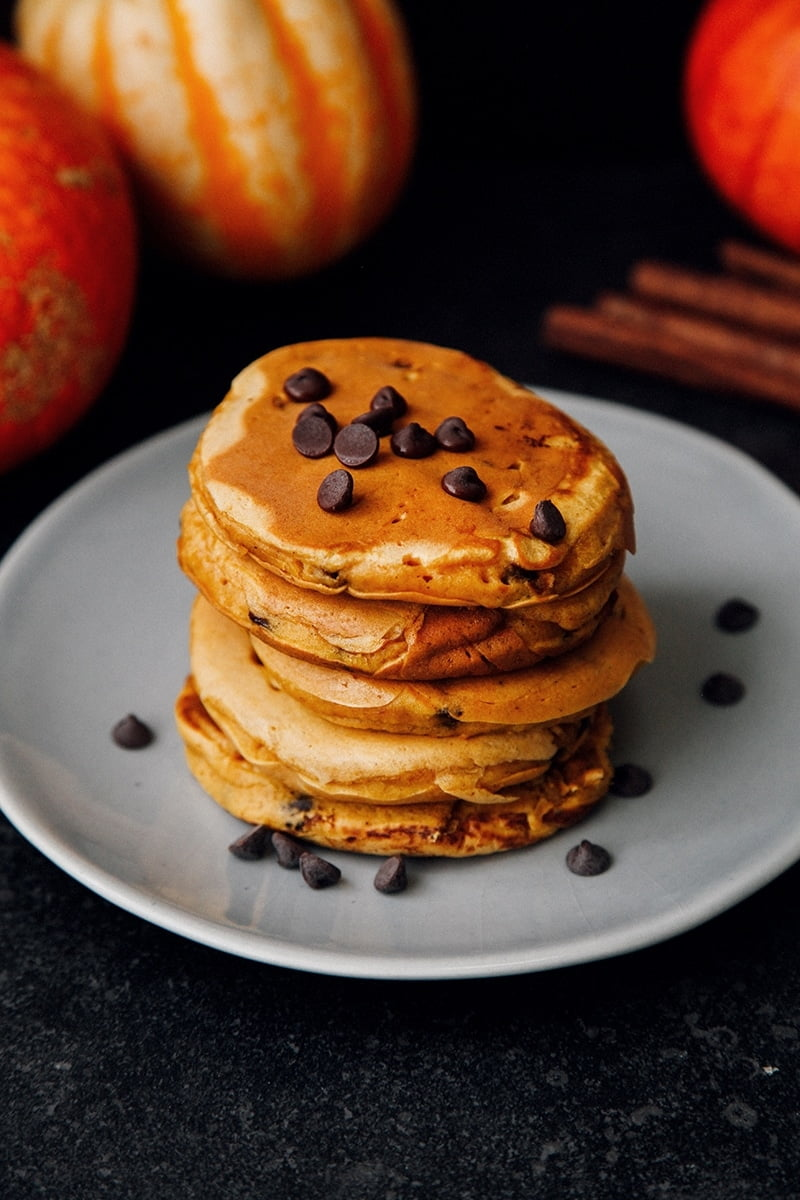 Fluffy Chocolate Chip Pumpkin Pancakes #vegan #dairyfree #breakfast