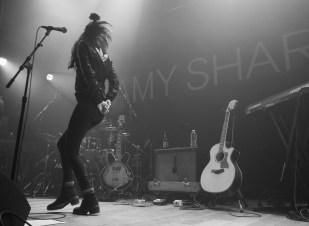 AMY SHARK - 3