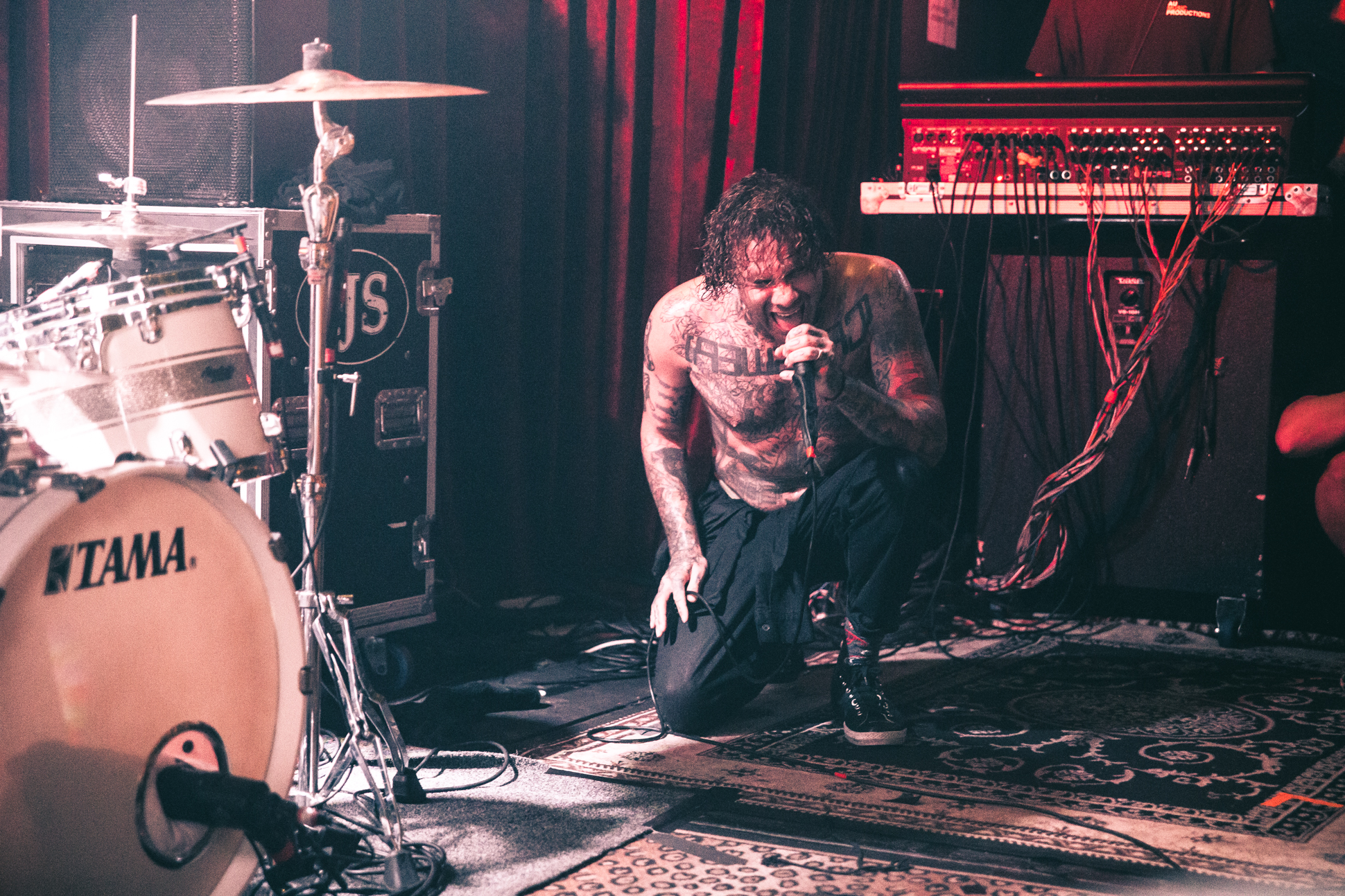 FEVER 333 (48 of 58)